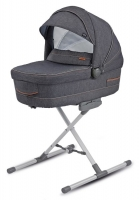 TRILOGY_VLD_CARRYCOT_01.jpg